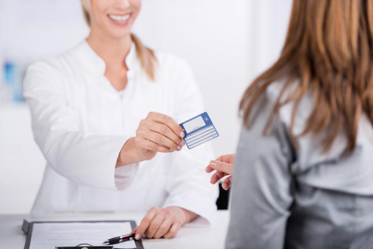 Du học Canada có cần mua bảo hiểm y tế?
